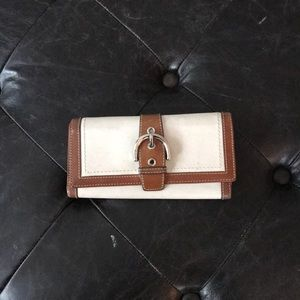 Coach wallet in previously loved condition